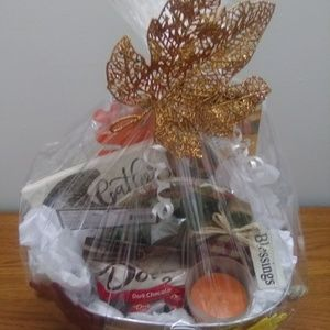 GIFTS BY FERN Accessories - Display/ custom Thanksgiving Gift Basket For Host